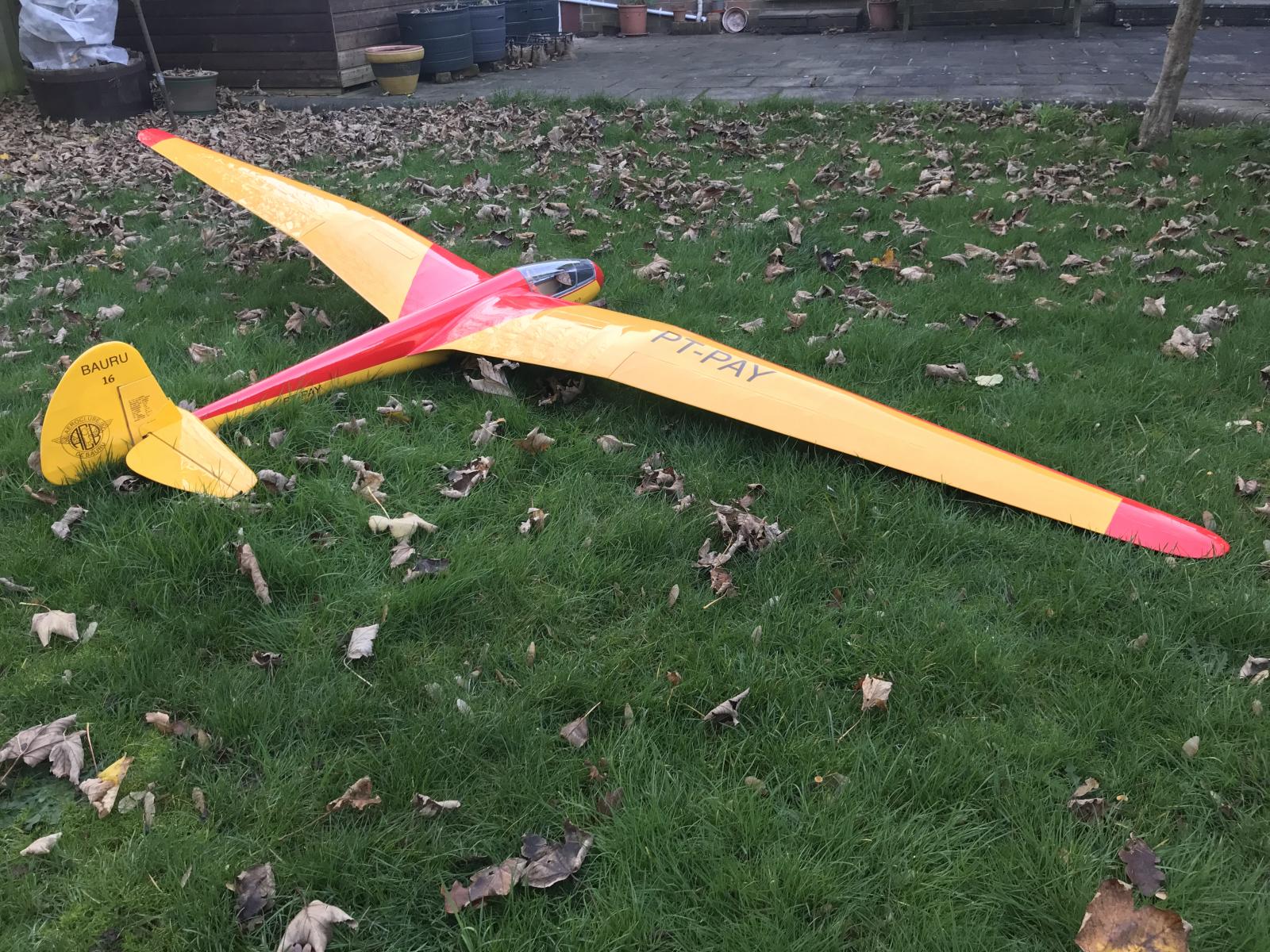 Robin's Flamingo HW-4